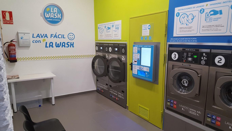 Lavandería autoservicio La Wash de Santa Feliciana 10 de Madrid