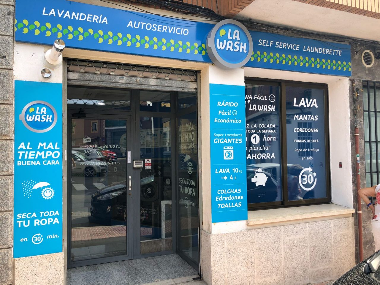 Nueva lavandería autoservicio La Wash en Colmenar Viejo