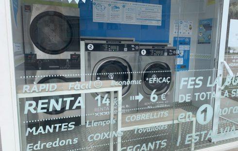 la-colada-en-la-wash-lavanderia-autoservicio-carretera-de-matadepera-241-terrassa