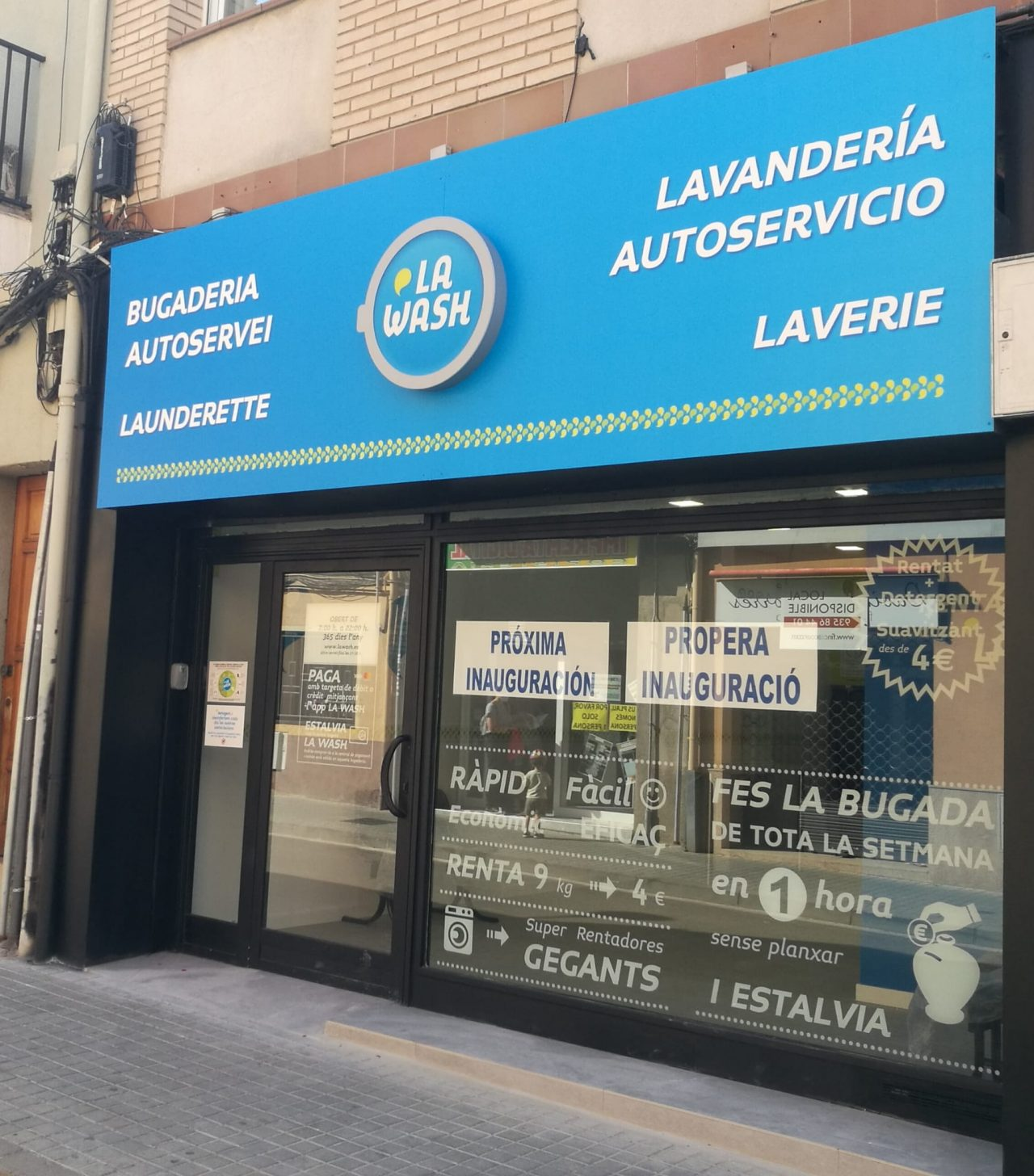Lavandería autoservicio La Wash Padró 59 Ripollet